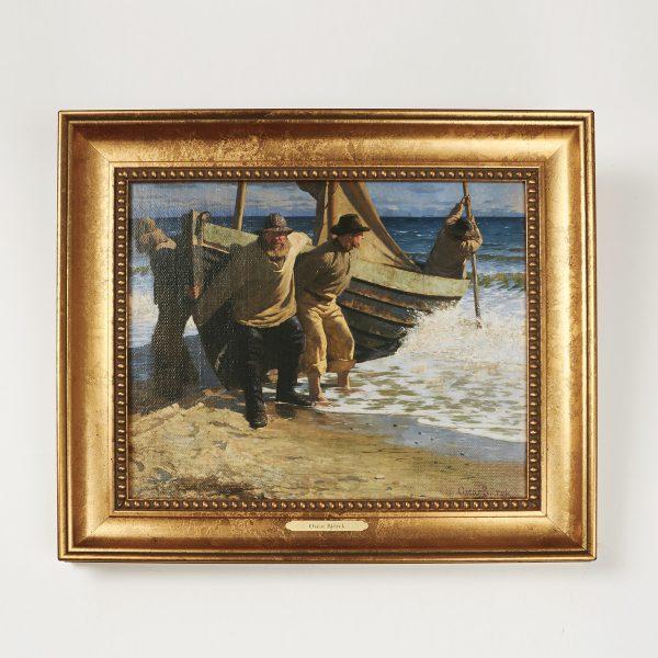 Båden sættes i søen